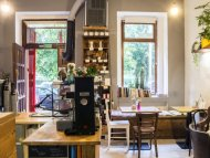 Kavárna Mama Coffee Jiřího z Poděbrad